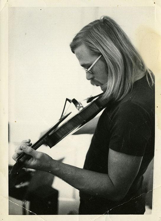 Jack Saunders playing the fiddle, 1974 · Houston Folk Music